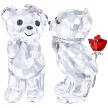 施华洛世奇(SWAROVSKI)经典系列 Kris Bear - A Lovely Surprise KRIS小熊 – 甜蜜惊喜